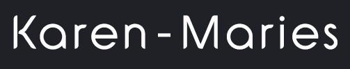Karen-Maries navn i hvid på sort baggrund